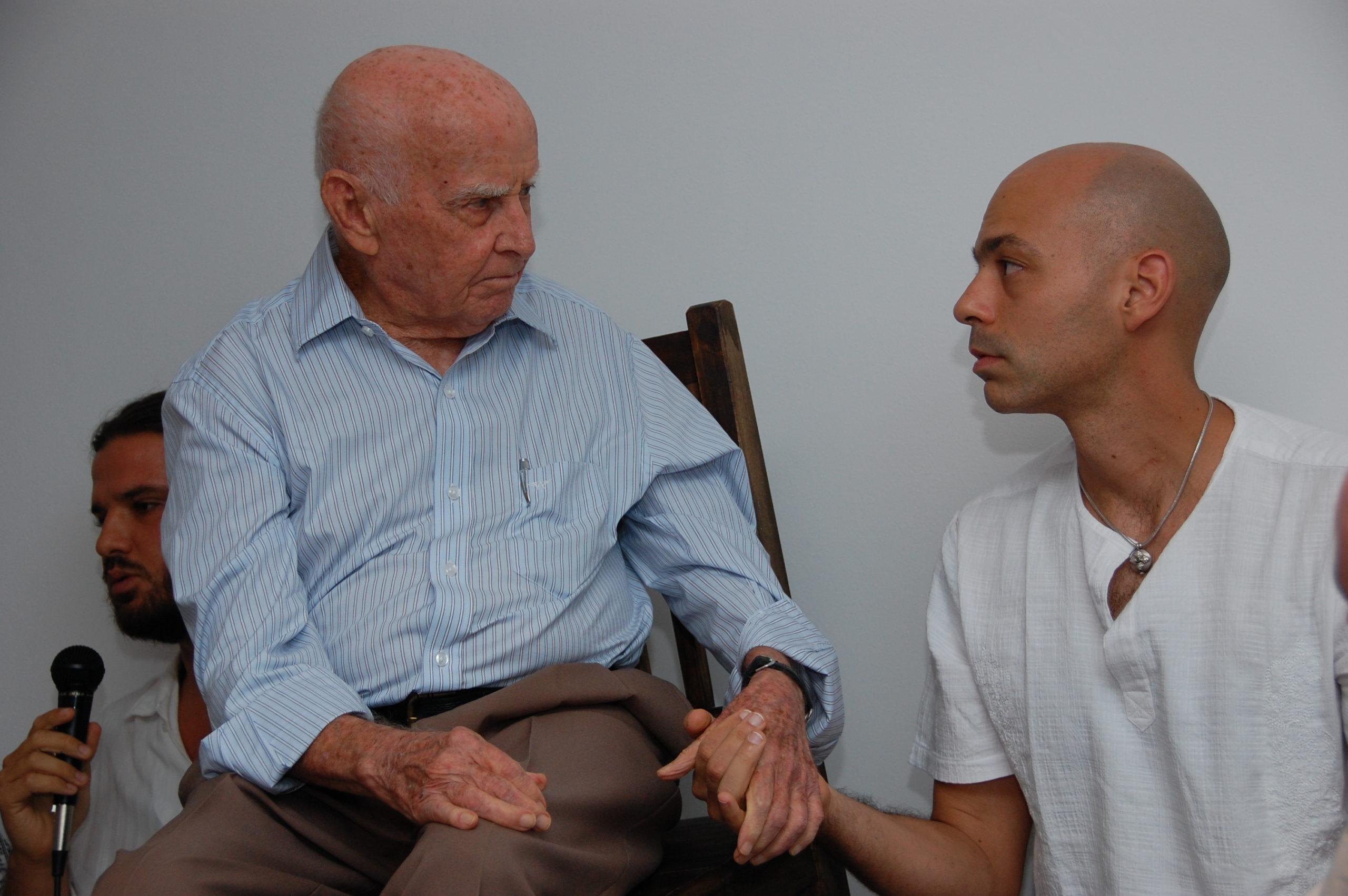 Vitor e Professor Hermógenes, o precursor da Yogaterapia no Brasil, mais de 10 anos de trabalhos juntos.